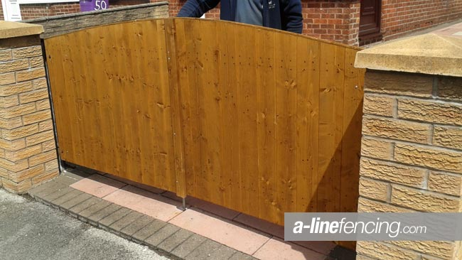 Timber gates liverpool garden gates timber driveway gates for Ready made driveway gates